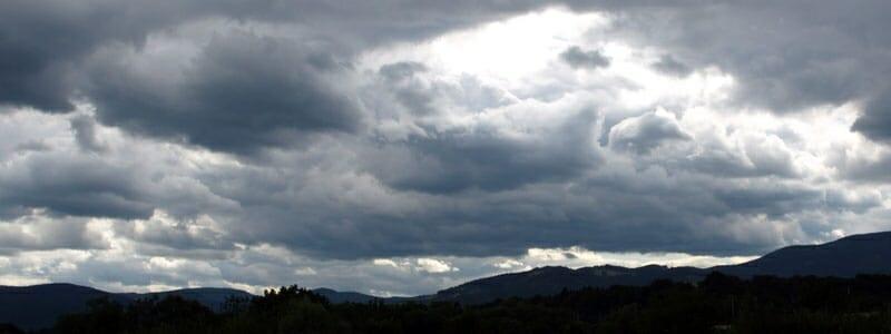 af01ca9b2b83feab5a47cb33382ddb07 - Náhlé změny počasí dokáží s námi zamávat
