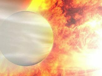 b0dc3b5307609ceeaf5153ca8b8da66e 326x245 - Záhadná planeta s velmi podivným chováním