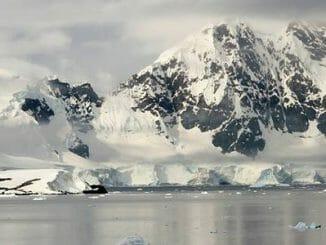 e9302a10be04a934f899af75558efd3e 326x245 - Nacisté vybudovali na Antarktidě velké základny