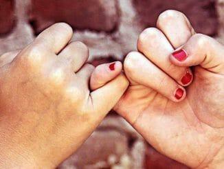 16e4207d8783187ab08259c76211b1d4 326x245 - Jak se projevuje bezpodmínečná láska?