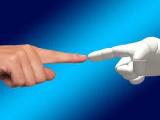 d7643d86f5fcfa4c7e455cb8655bb830 326x245 - Žena miluje robota a chce si ho vzít