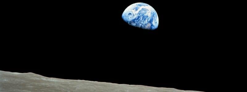 3fabb4329293d2331a99232074d7eb8a - Naše Země není kulatá, slunce není žluté