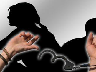 9b3ba988b22bc6c8102f46a55c320062 326x245 - Jste zamilovaní, nebo jen citově závislí?