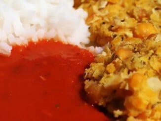 fd9645fd6be93c6511322b8e1037e276 326x245 - Cizrnové karbanátky srajskou omáčkou a rýží