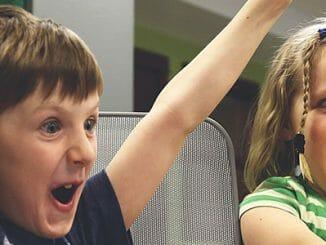 6cdd07c78e7b65ae337bff878e03a5fc 326x245 - Hyperaktivní děti: Jak je snadno zklidnit