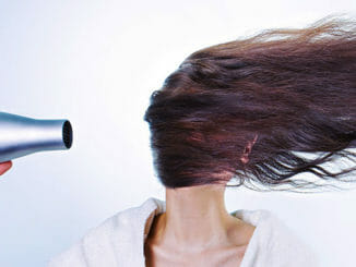 Posílení vlasů přírodní šetrnou cestou.