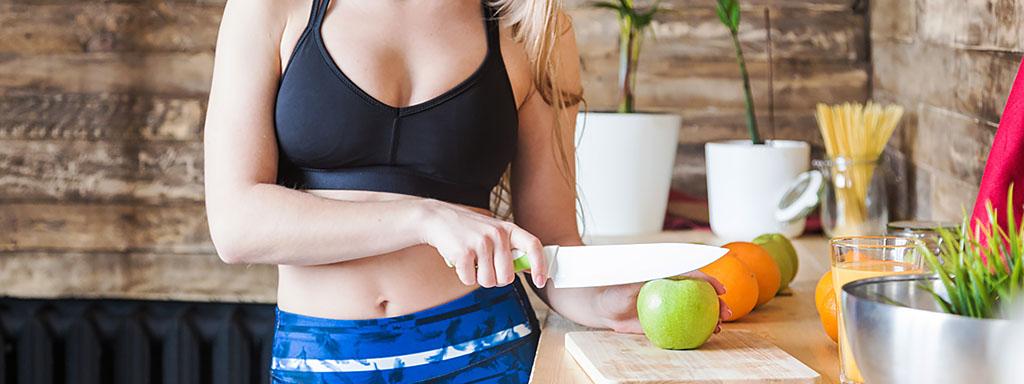 Cvičení před snídaní zvyšuje spalování tuku o 100%.