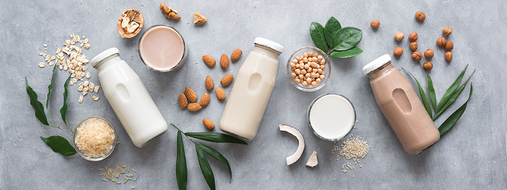 Rostlinná mléka jsou plná vitaminů a minerálů.